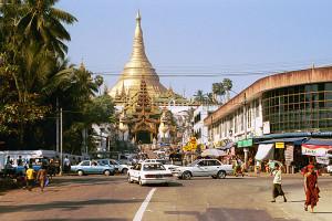 Yangon Shwedagon Pagoda Street